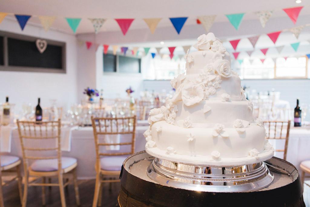 049-wedding-cake-scotland.jpg