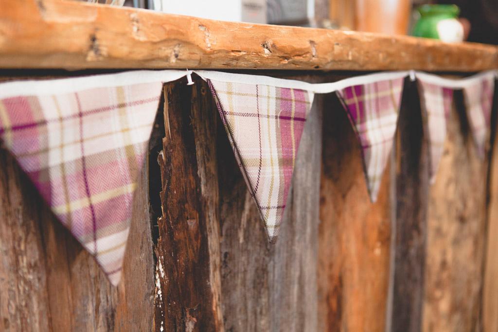 054-wedding-details-rustic.jpg