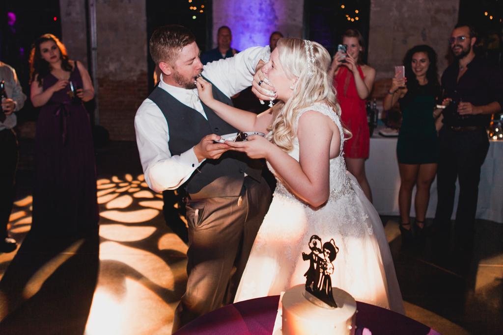 068-cake-cut-destination-wedding.jpg