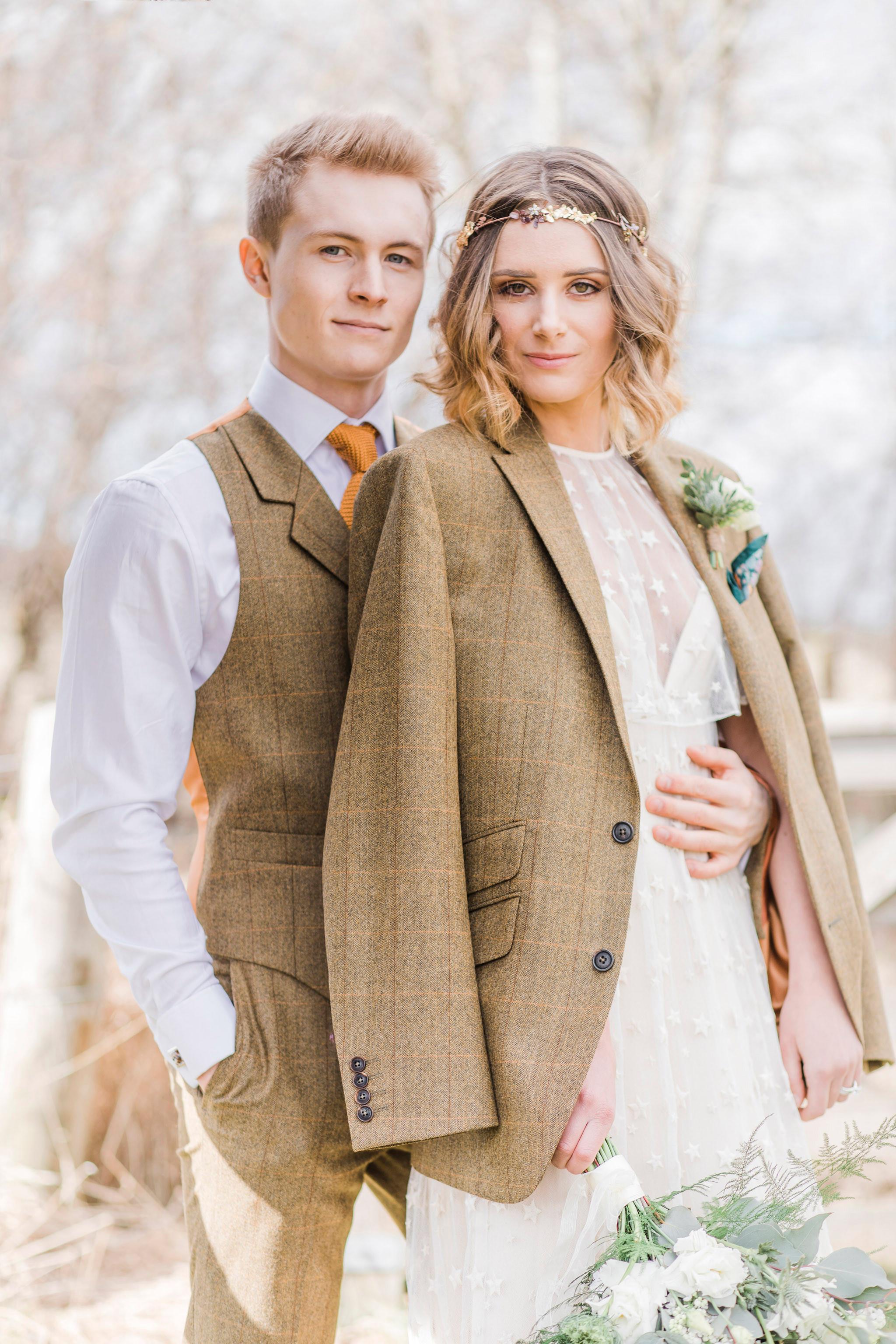 rustic-romantic-outdoor-wedding-photographer-edinburgh-09.jpg