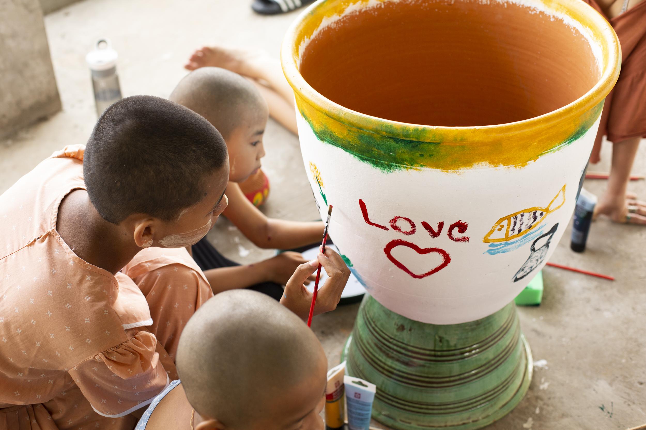 Peinturer avec les enfants / Painting with the kids