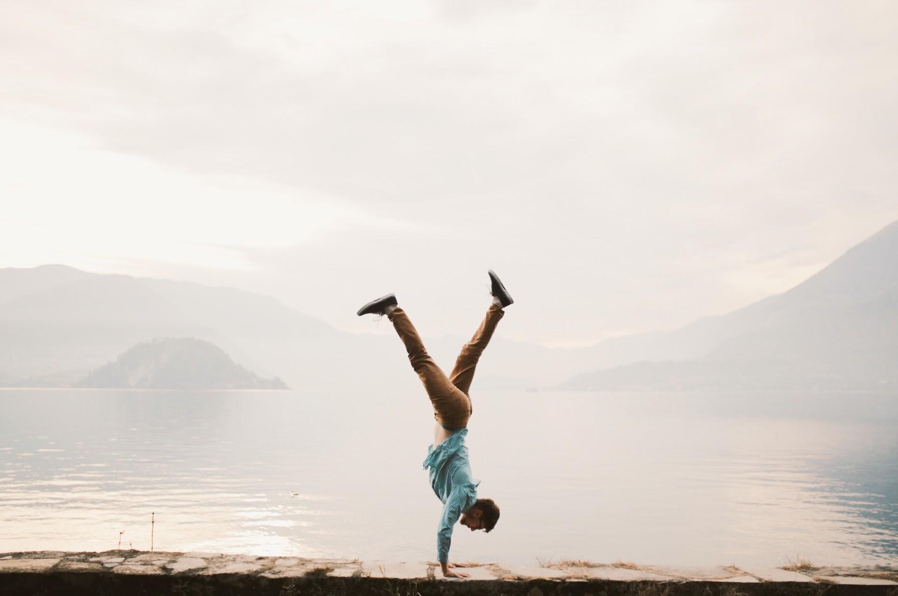 Handstand Lake Como.jpg