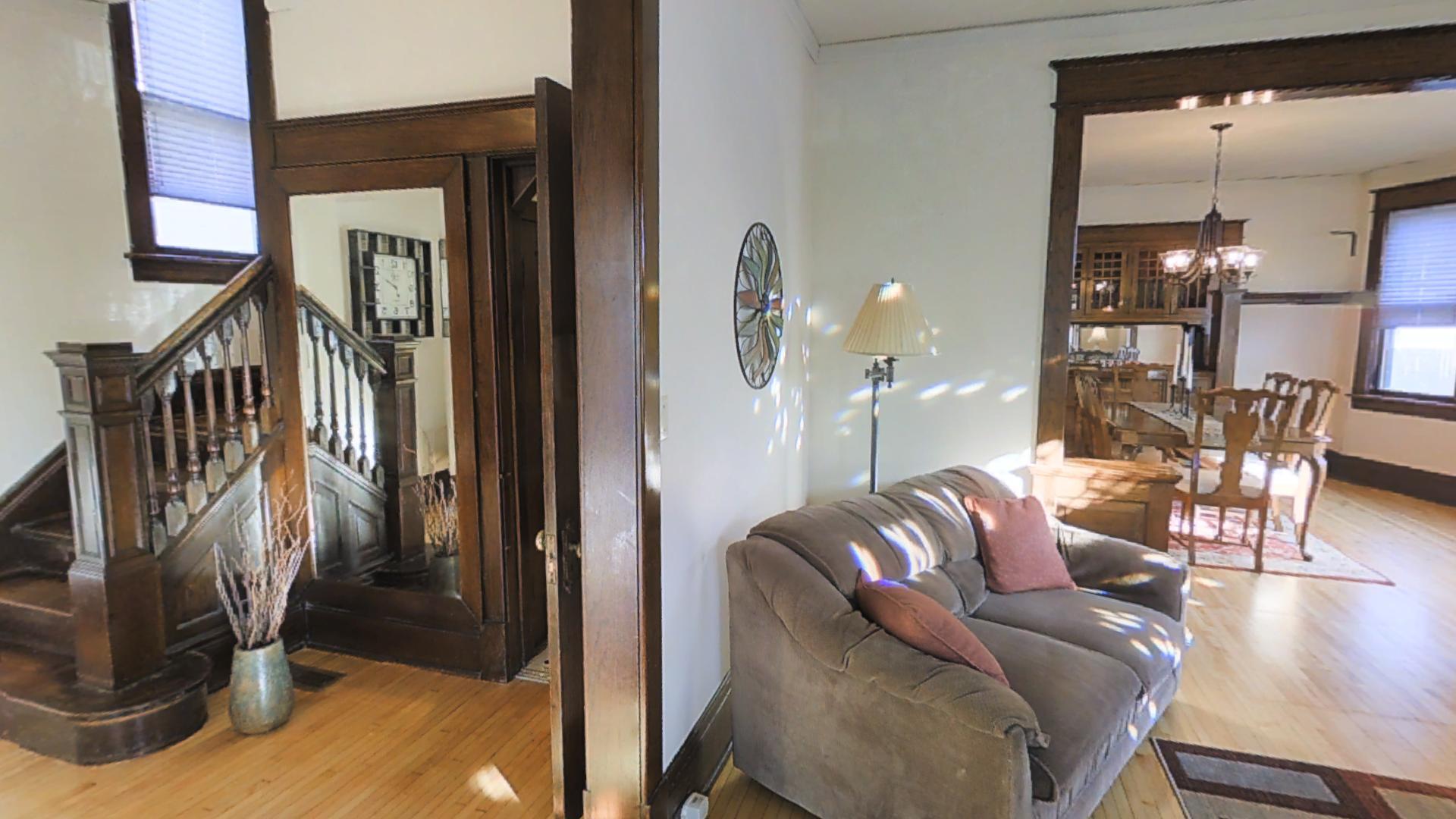 Living room:front entry.jpg