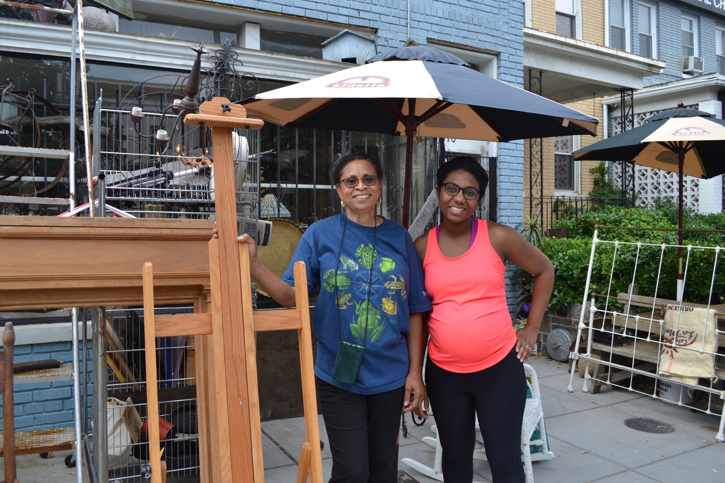 Had a delightful conversation with Carolyn Davis and Chelsea Crawford while they waited to buy an easel this morning.