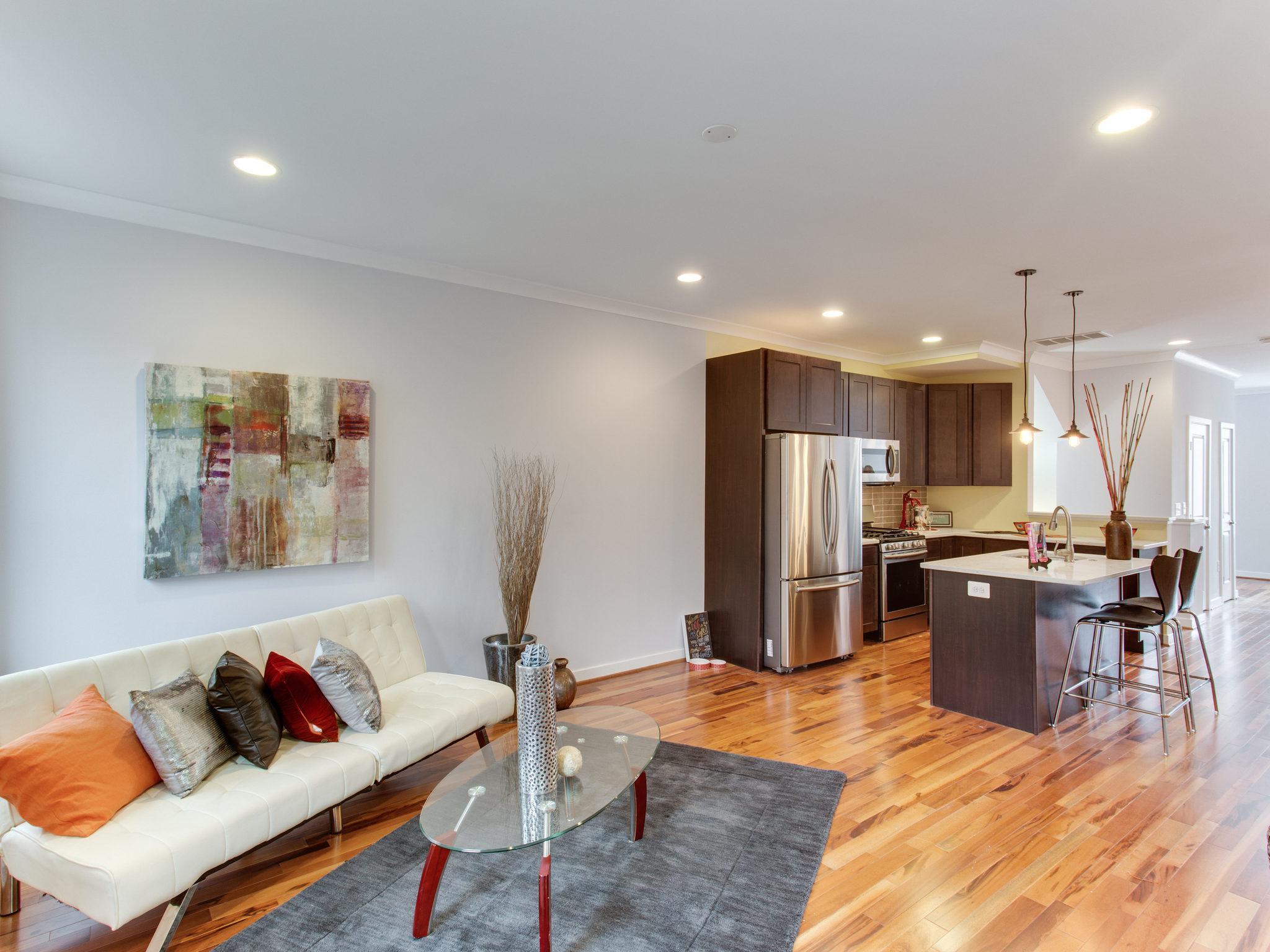 2807 Sherman Ave Unit B Living Room.jpg