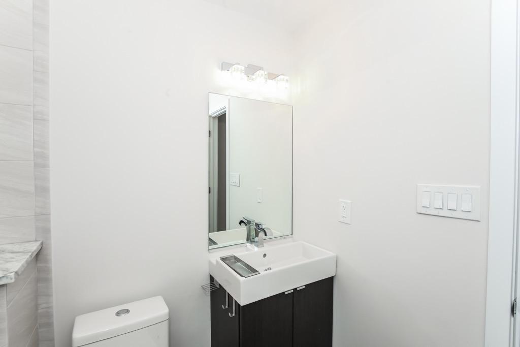 15-Bathroom 2- Unit 2.jpg