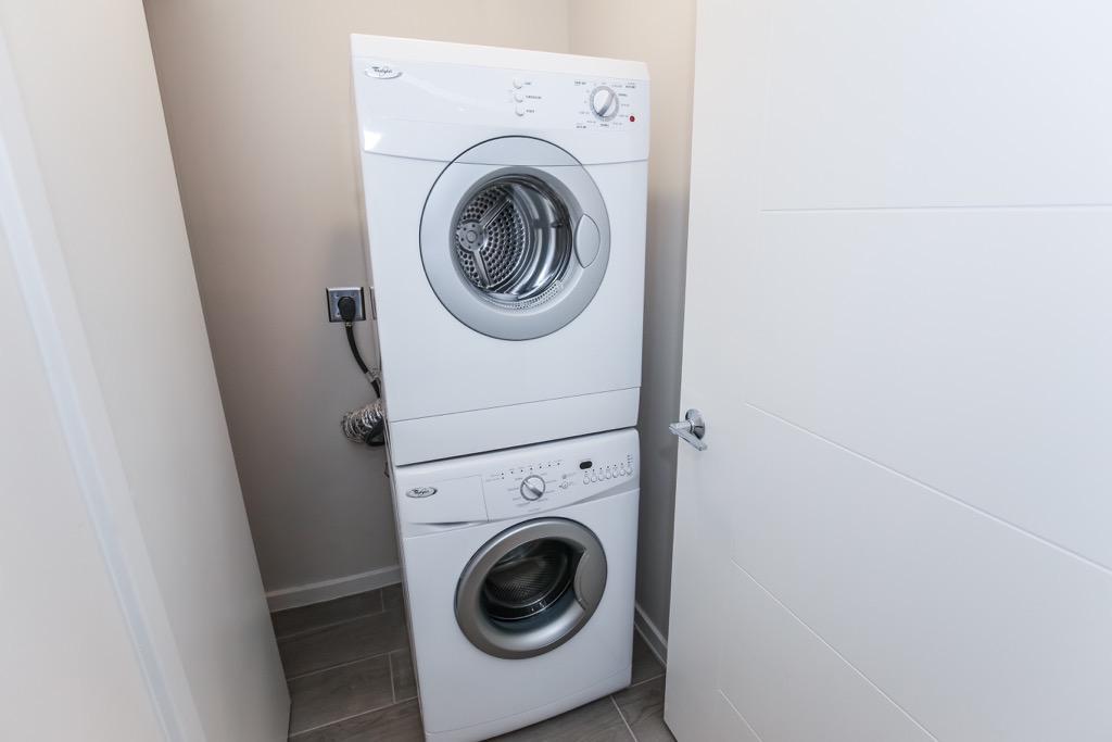 18-Washer & Dryer - Unit 2.jpg