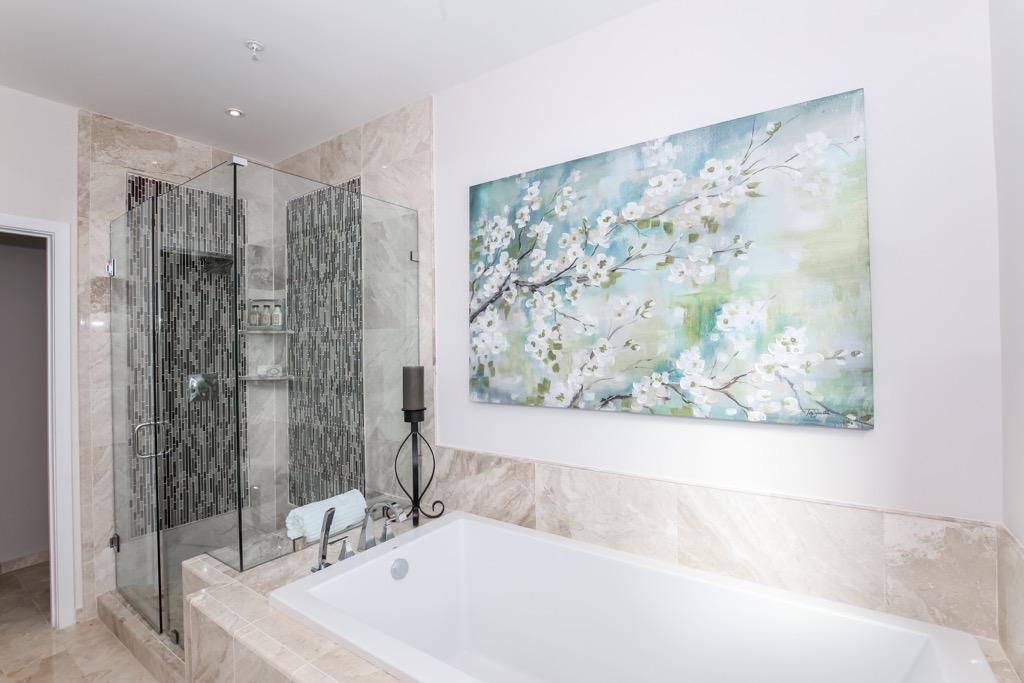 25-Bathroom 1 Master - Unit 4.jpg