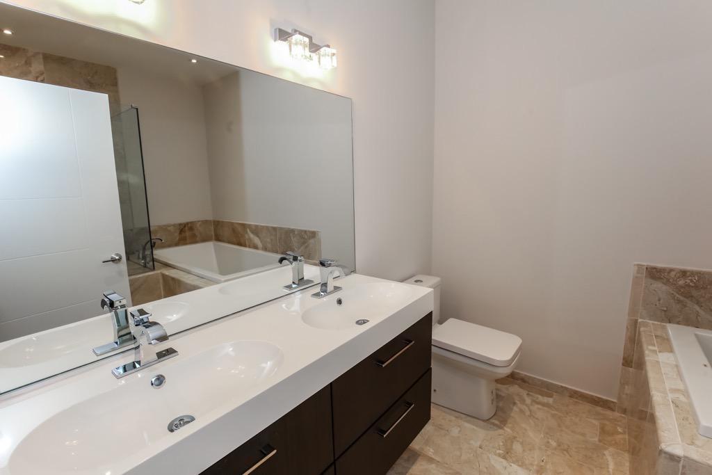 25-Master Bathroom - Unit 3.jpg