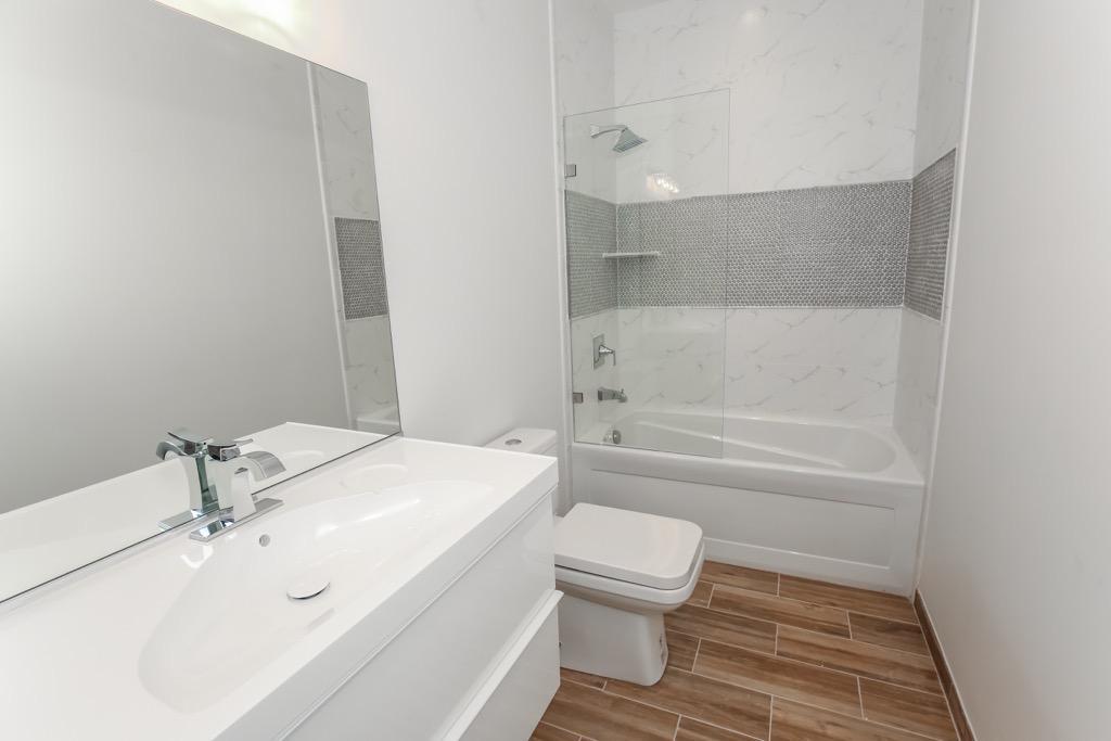 31-Bathroom # 2 - Unit 3.jpg