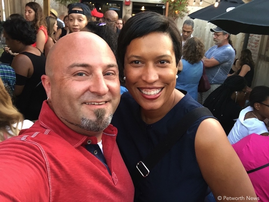 DC Mayor Muriel Bowser poses for a #selfiewithdrew at the Petworth News Shindig (July 15, 2017)