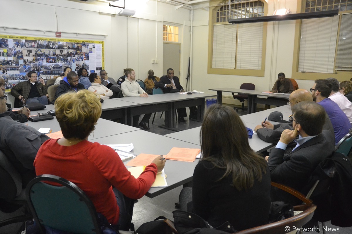 Residents meet with WMATA representatives in December 2016 about the shaking and noise.