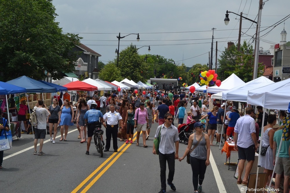 View of the crowd at the 2017 Celebrate Petworth Festival
