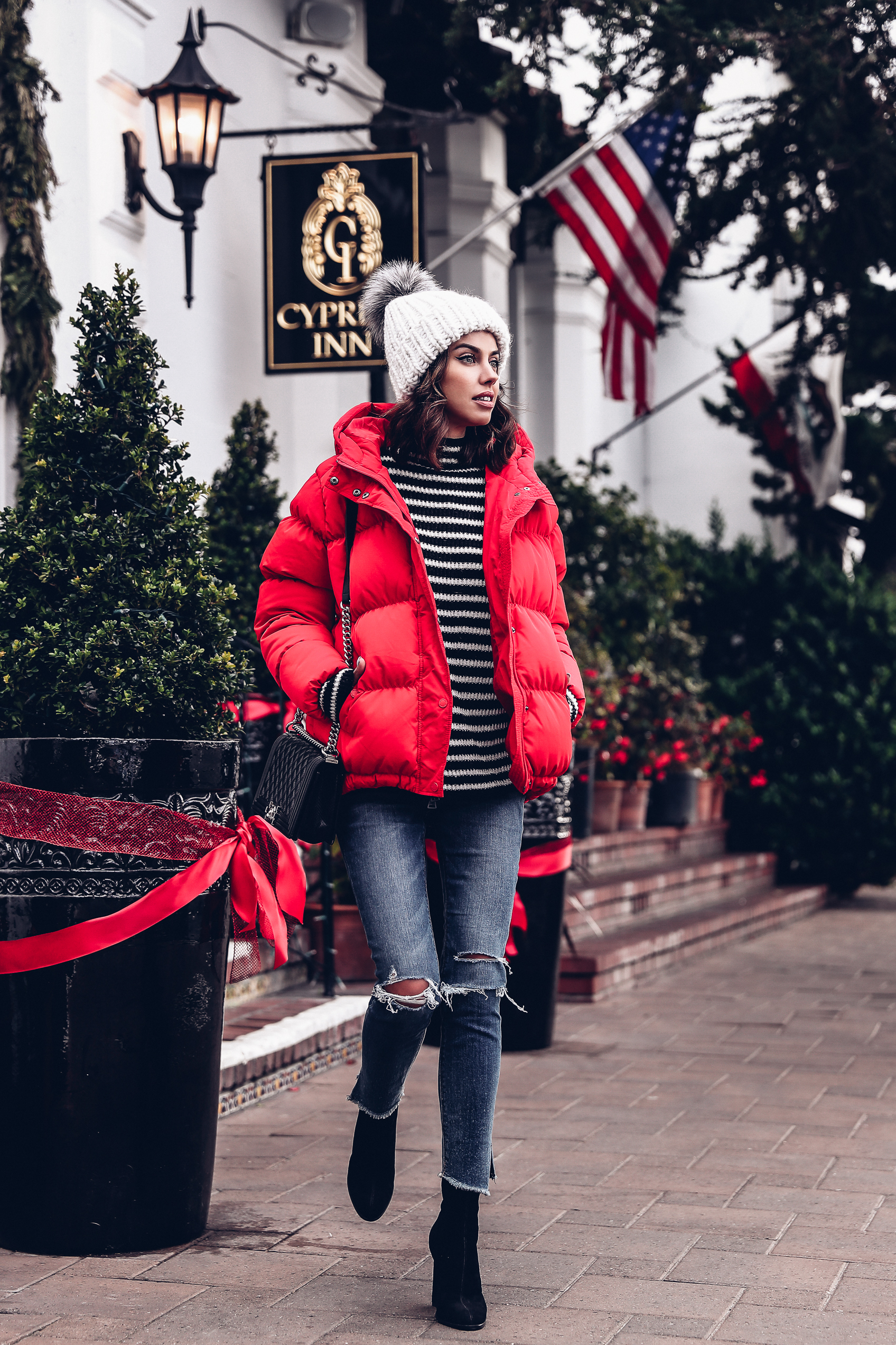 red puffer jacket outfit