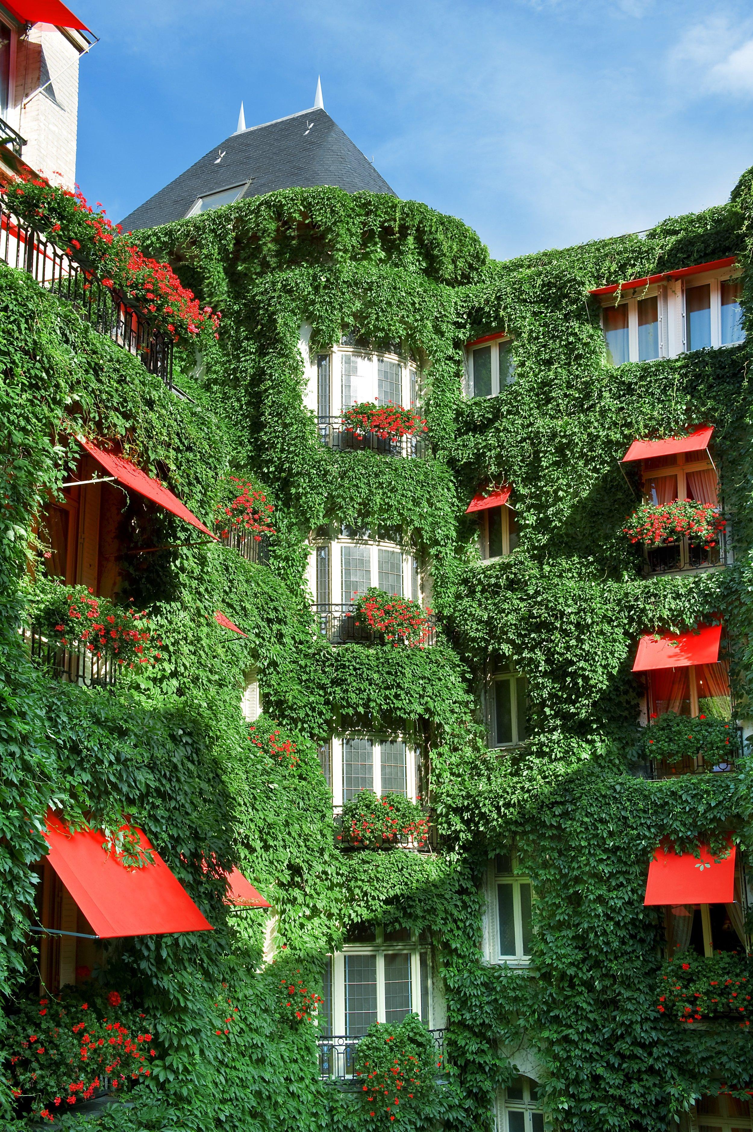 Plaza Athenee - La Cour Jardin - HR (c) Frederic Ducout copy.jpg