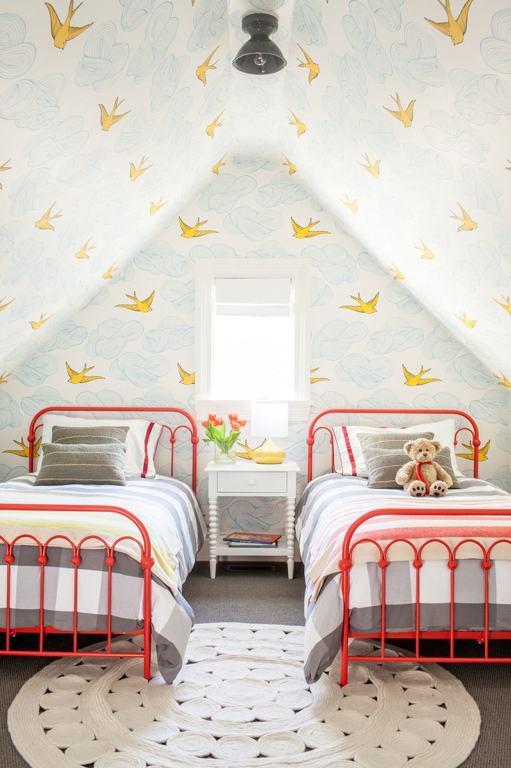 bird-wallpaper-ceiling-kids-room.jpg