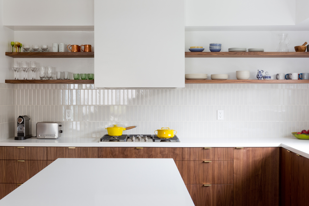 mini-subway-tile-vertical-backsplash