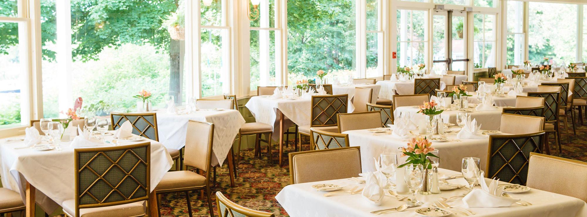 interior-slider-dining-maindiningroom-2000x740-2.jpg