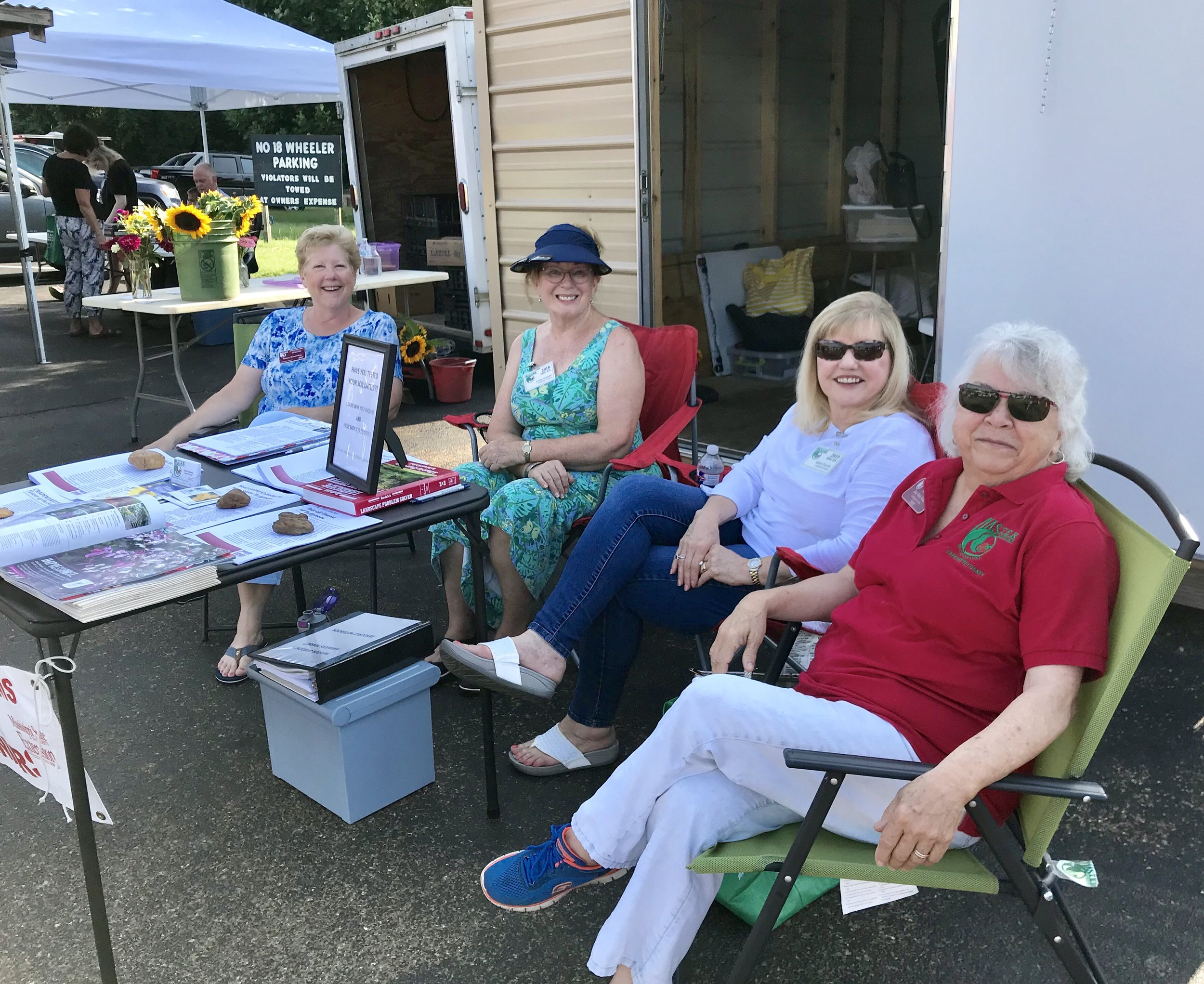 Master Gardeners at Mid-Town Farmers' Market.jpg