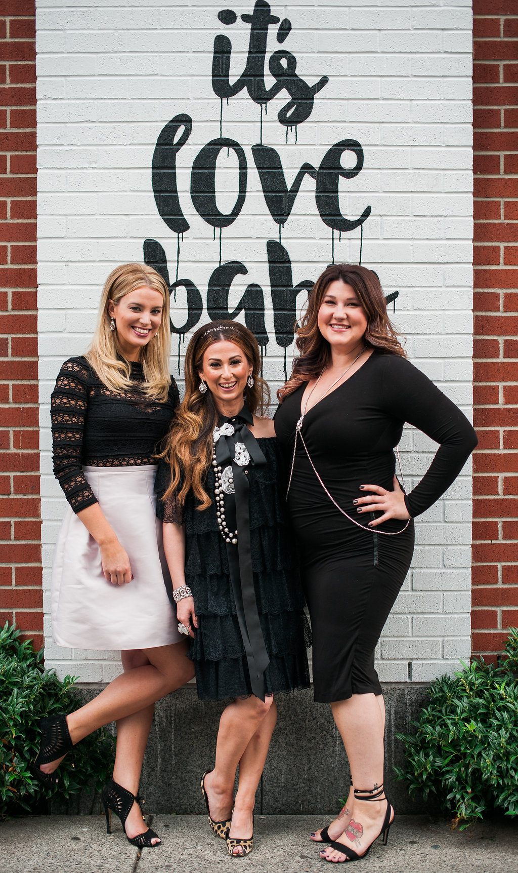 Elsa Corsi, Courtney Brands, Britt Vazazz