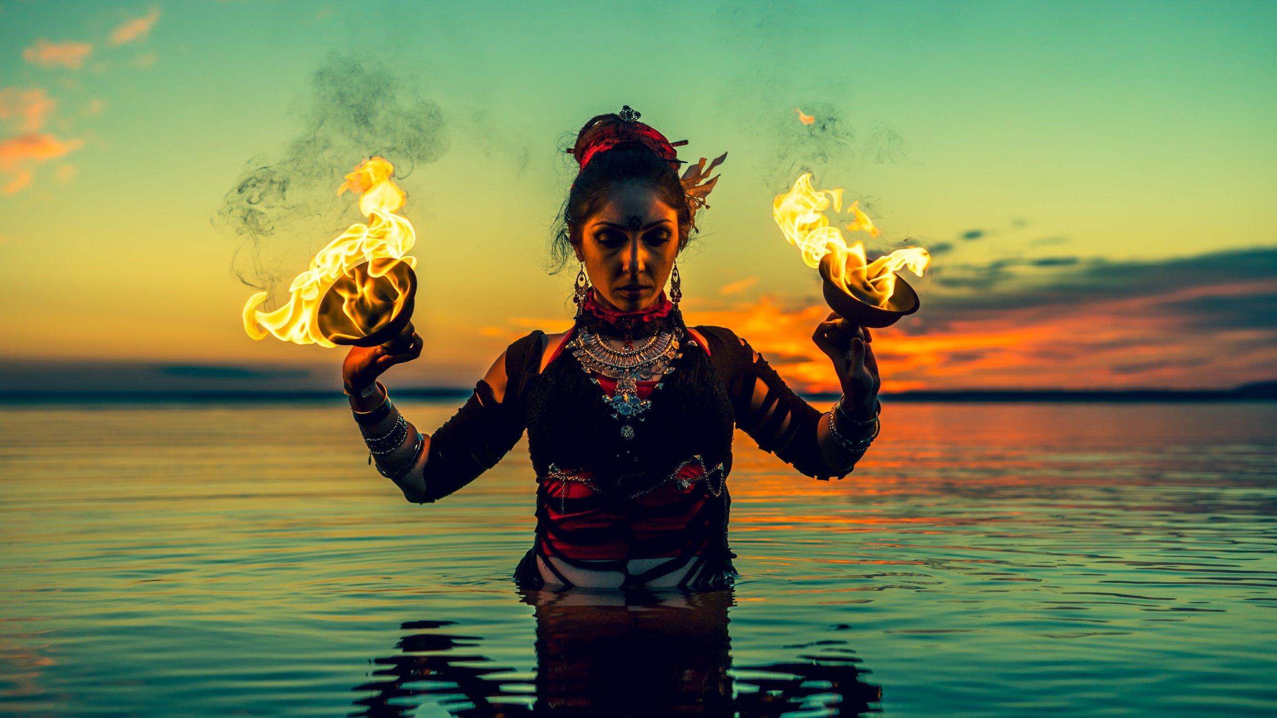 Finde deine heilige Flamme. Bild: Olga Bast / Unsplash