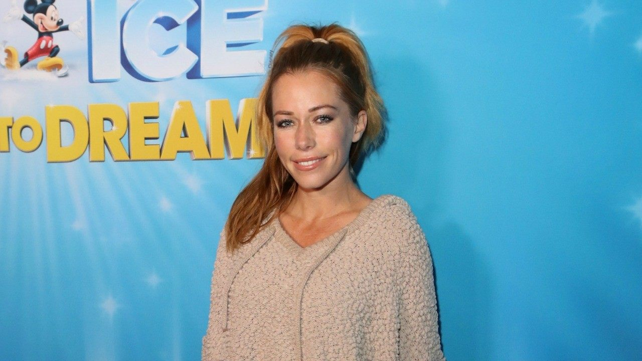 Kendra Wilkinson Jokes About a New Year's Kiss After Divorce Filing (Exclusive) -