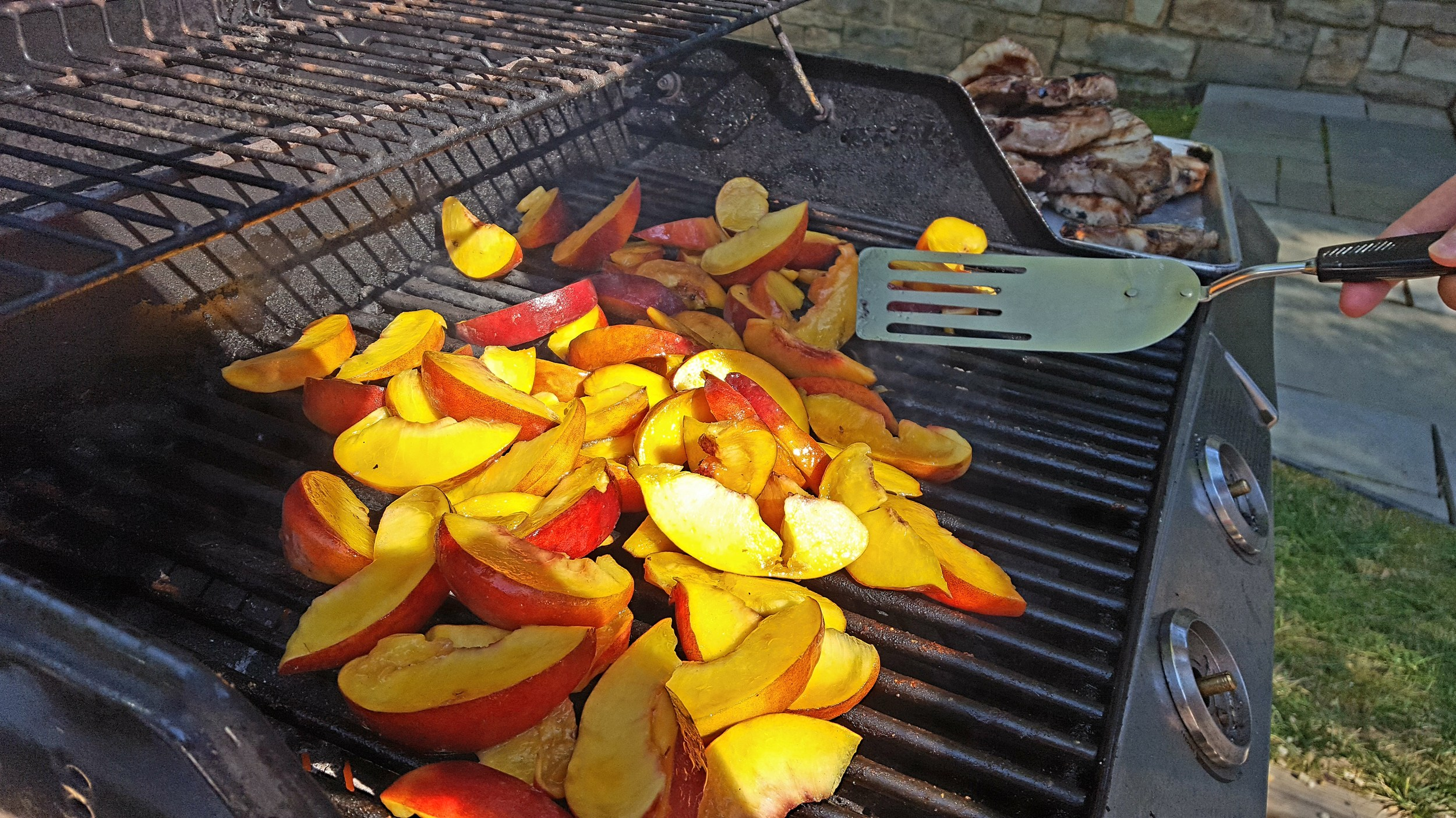 Grilled peaches!!