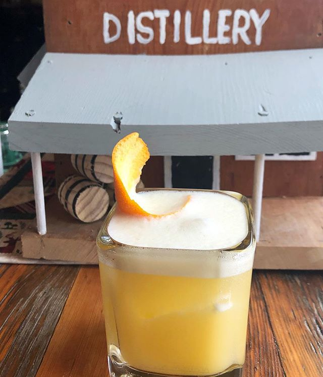 TGIF! Today we're celebrating with a fun take on a whiskey sour with our Harvest Select Whiskey. What's your go to TGIF cocktail?