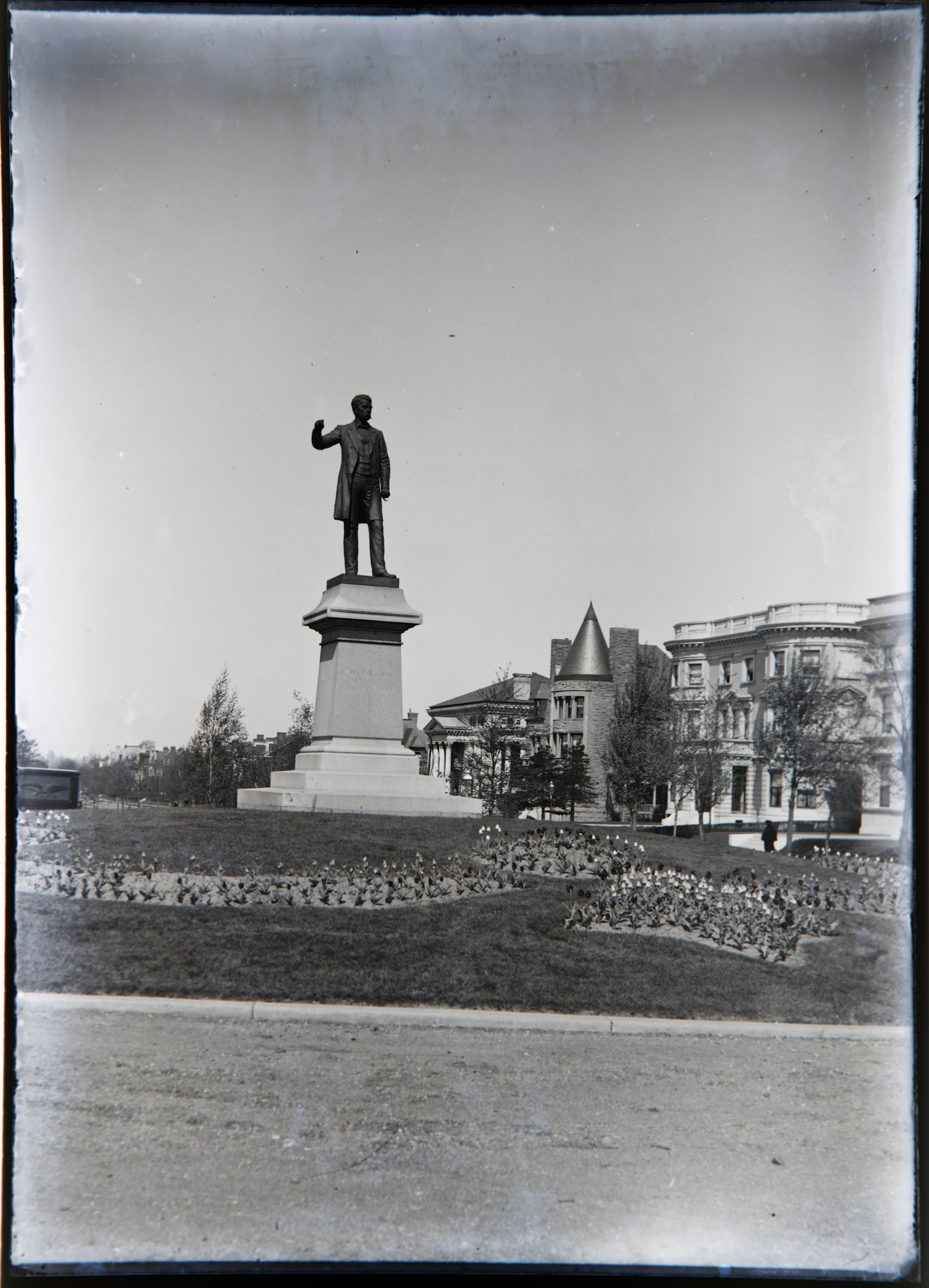 This statue still stands today, same spot at the corner of Lindell Boulevard and Kingshighway near Forest Park  in the Central West End, St. Louis.