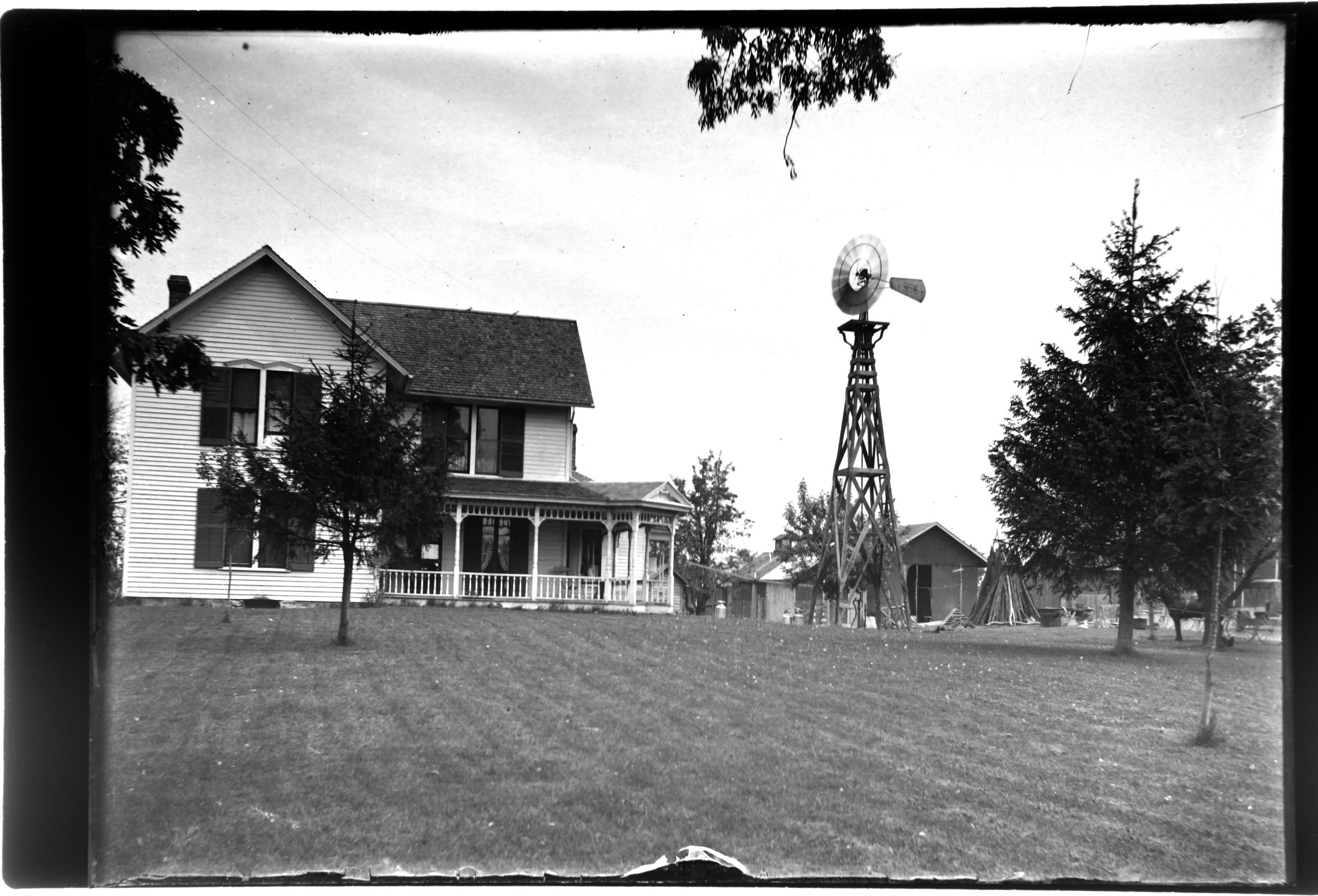 A farm house in St Louis, c. 1902.