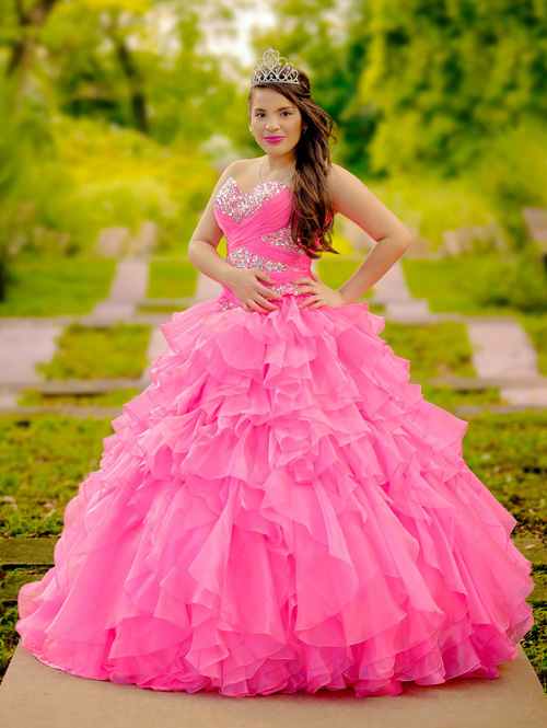 Brenda, Houston Quinceañera Session by Lunabela Photography - www.lunabela.com