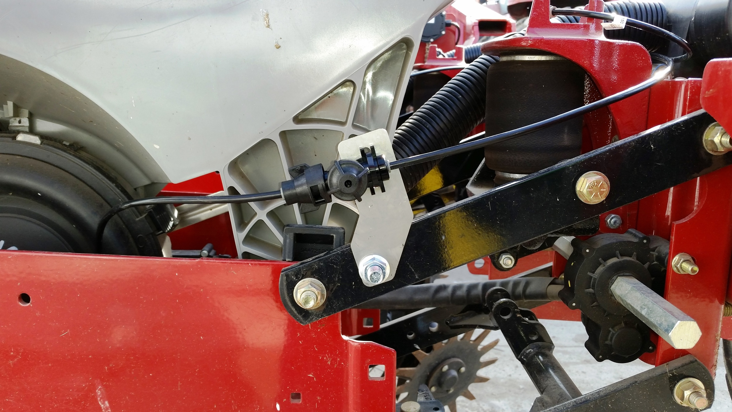 Case IH- Anti Drip Bracket.jpg