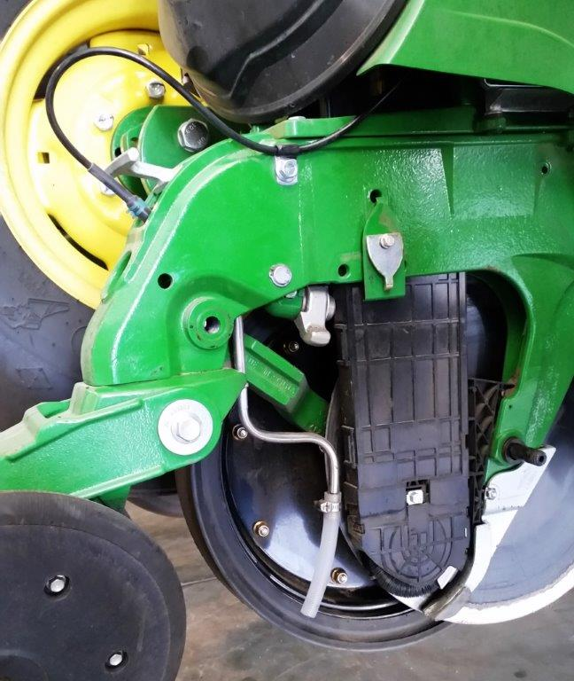 John Deere ExactEmerge stainless steel tube holder (In Furrow)