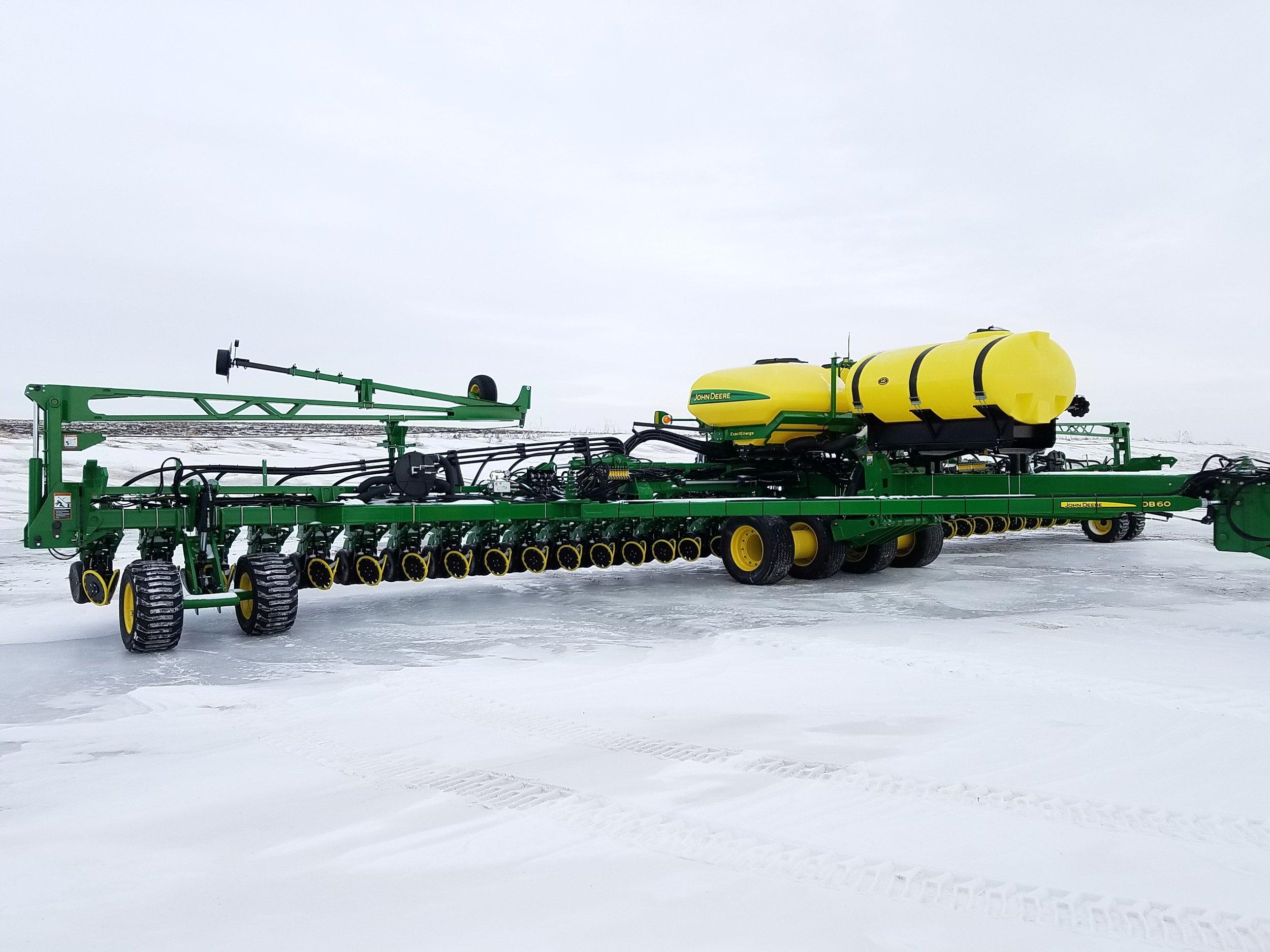 2017 DB-44-60-66 Section Control Fertilizer