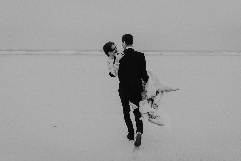 kylewillisphoto_kyle_Willis_Photography_liz_gibbs_brigantine_beach_atlantic_city_wedding_philadelphia_jersey_shore_new_nyc_engagement_delaware_engaged_married_rainy_photos_ac_boho16.jpg