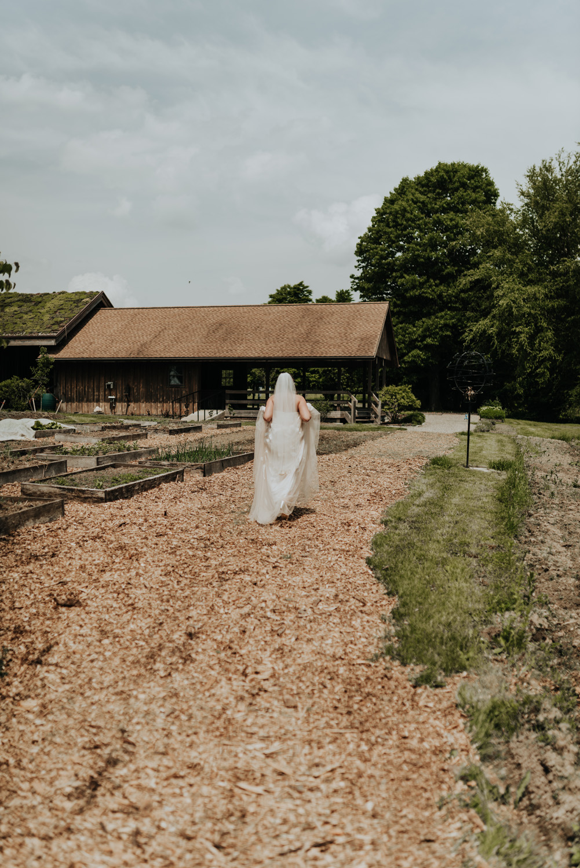 kylewillisphoto_kyle_willis_photography_rodale_institute_farm_wedding_kutztown_pennsylvania_pa_philadelphia_rustic_lavender_sendoff_exit_new_jersey_marriage_engagement_york_city_moody194.jpg