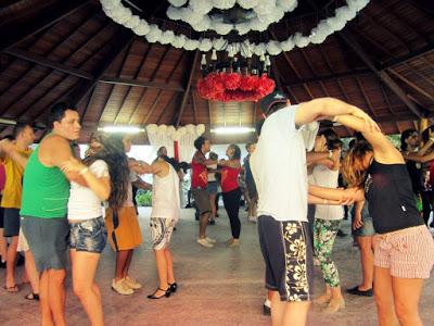 The 'piscina' dance floor