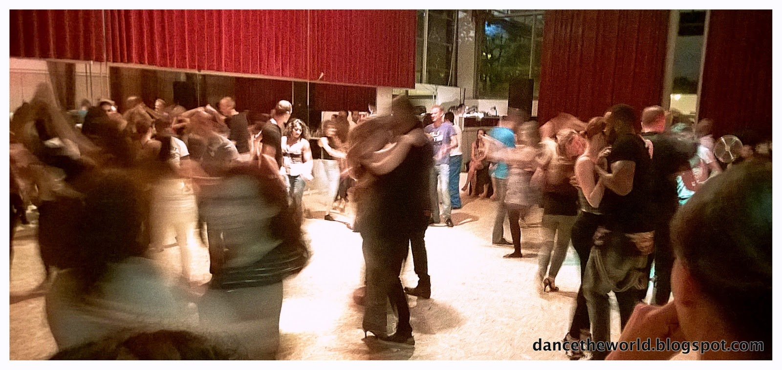 Zouk dancers at the BraSaZouk's Copacabana Night