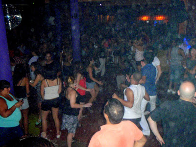 Axé party of the main floor downstairs after the zouky stuff