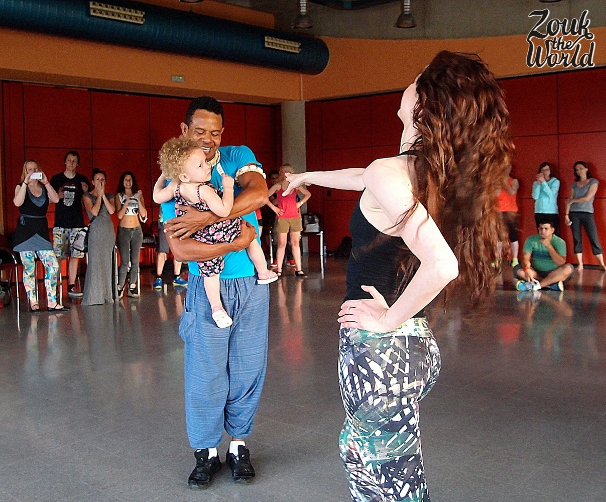 Braz giving a demo at the end of his class with Karin (right) and Sophia (in his arms) - one of my favorite workshops!