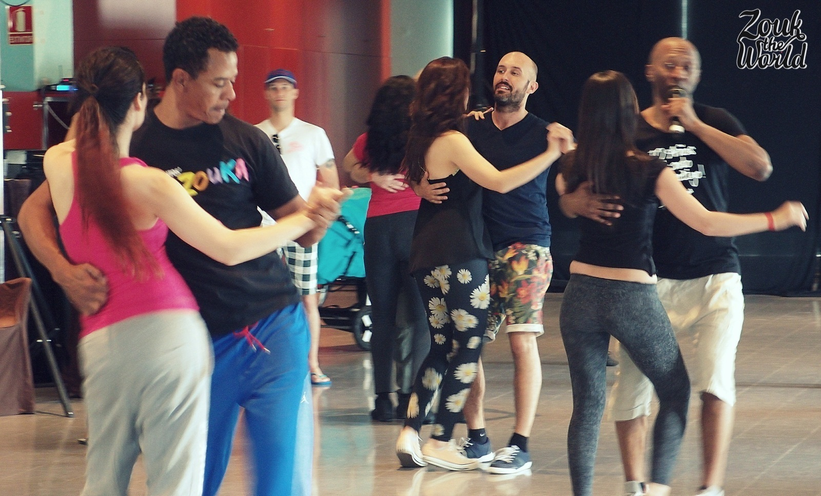 On Sunday morning severalteacher couples joined forces for one big workshop; this one was lambazouk with Olaya, Braz, Papagaio and Gilson.