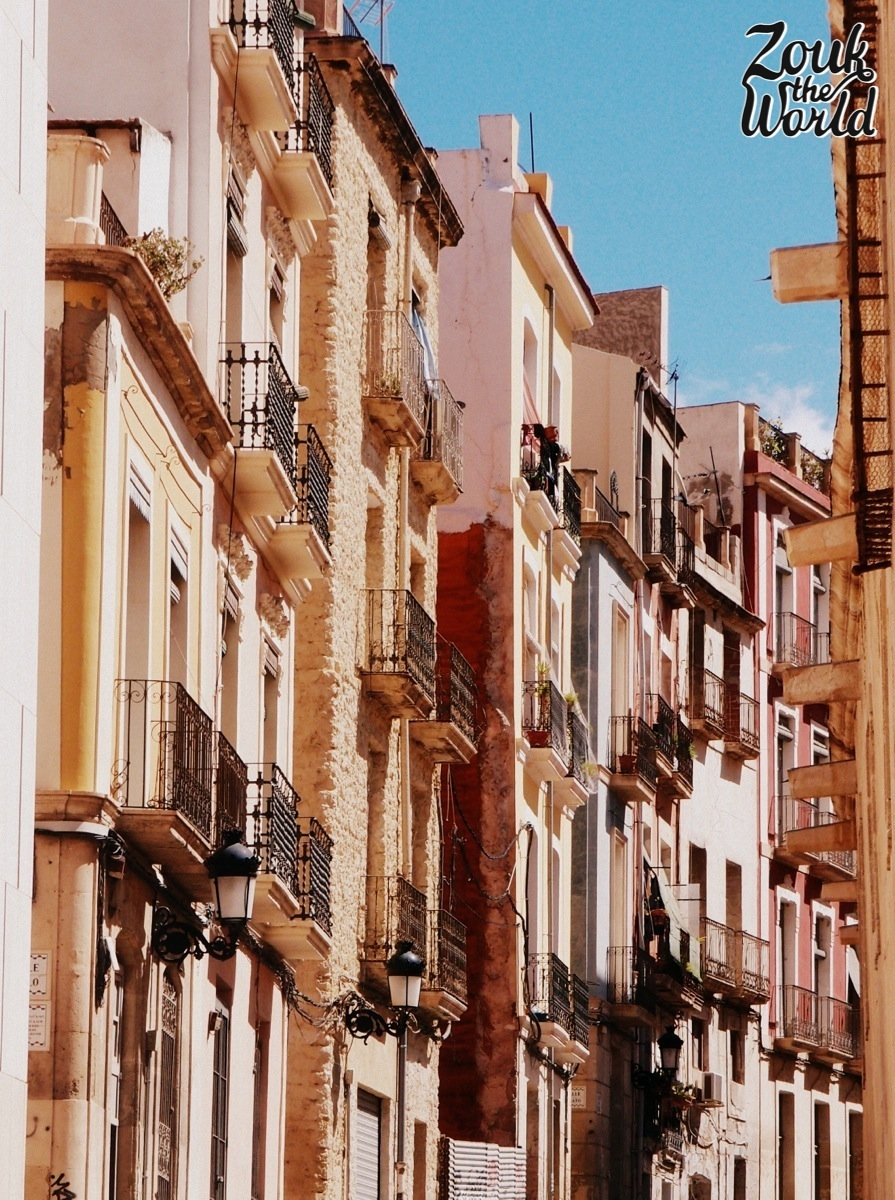 The old quarters of Alicante, inviting you for a relaxing stroll, chat, coffee...