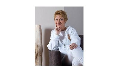 DR. ANDREA SCHWEITZER-EHRENREICH   Fachärztin für Unfallchirurgie, Spezialistin für Handchirurgie