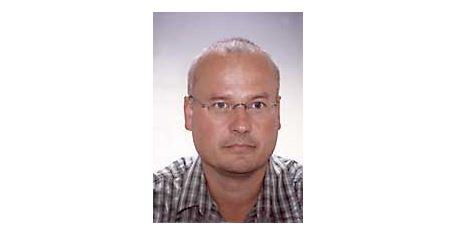 OA DR. ALEXANDER KMEN   Facharzt für Unfallchirurgie und Sporttraumatologie