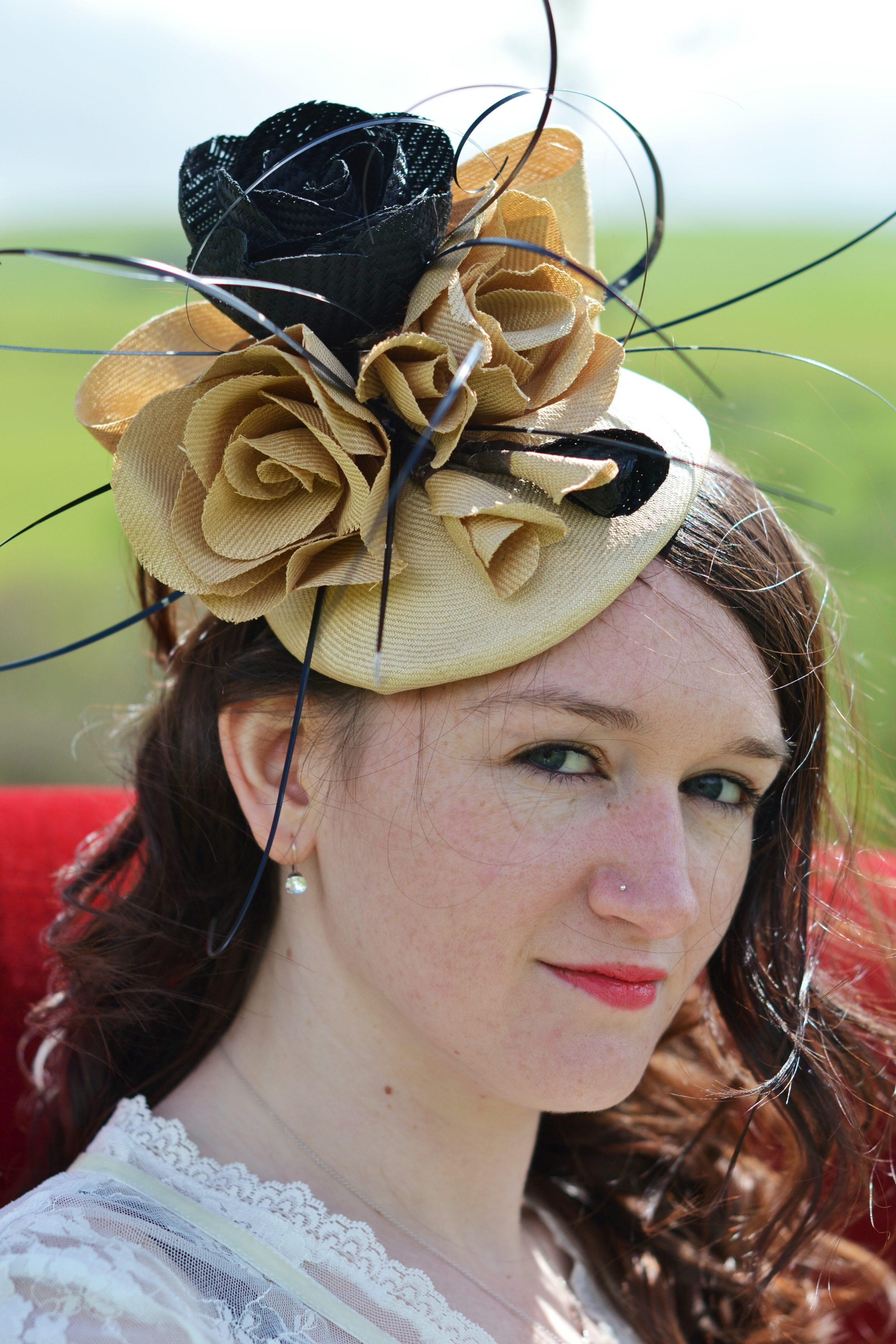 Parabuntal button hat with handmade roses