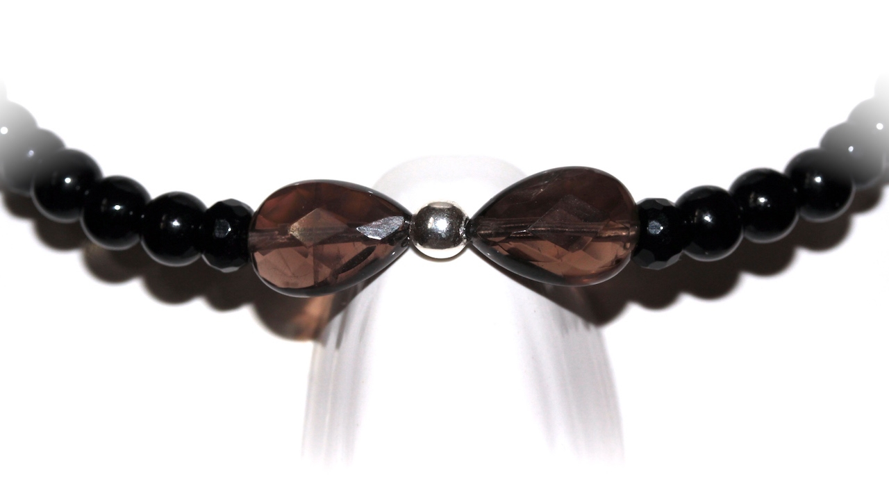 Black chocker from atelier Jawery