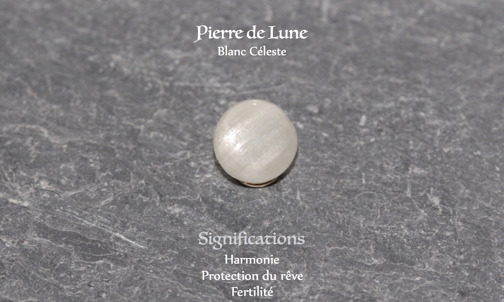 Healing powers of Moon stone from Atelier JAWERY