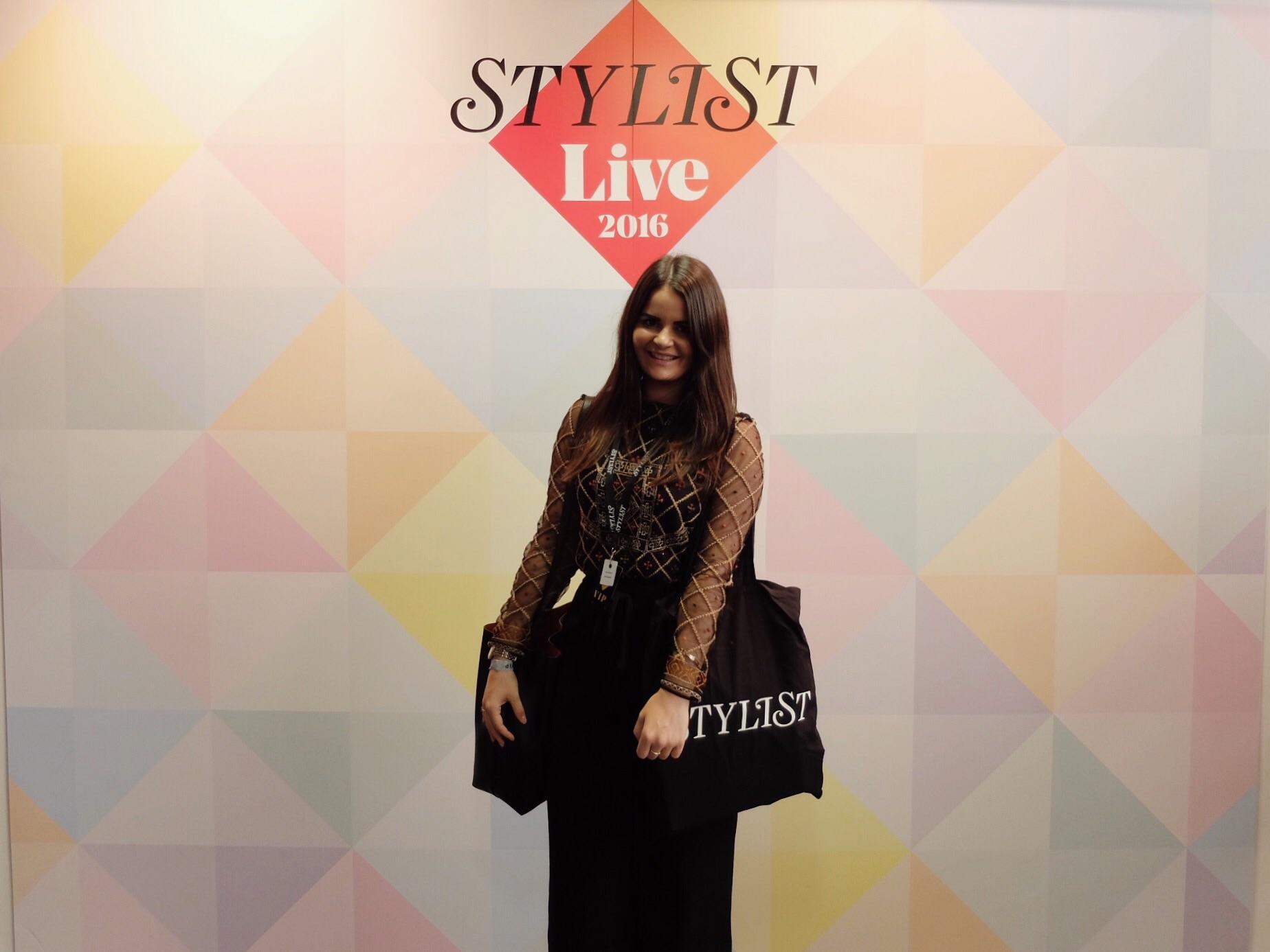 Stylist_Live_blogger_Review