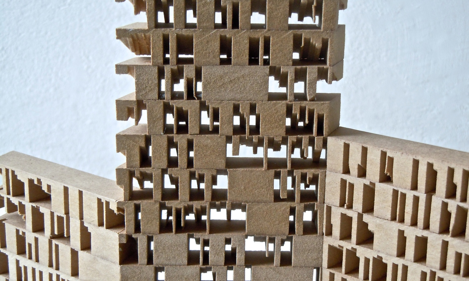 MDF, 70 x 35 x 2 cm (2014)    ©   Inger Andersson