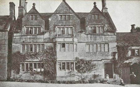 Tudor House in 1906